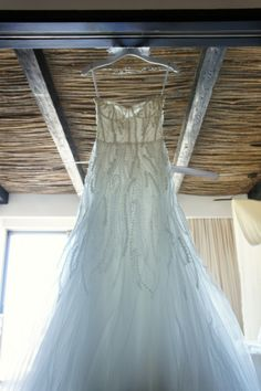 Monique Lhuillier Candy A Line very lightweight and perfect for beach/tropical wedding!