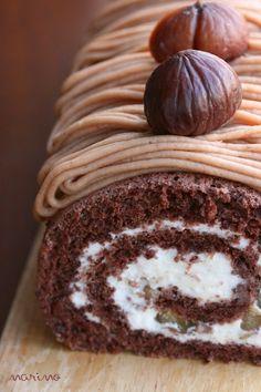 秋の味覚~~栗を使ったデザートを作りました♪ そう! モンブランをロールケーキにしちゃいました☆ モンブランのクリームって、作るの難しそう・・・っ...