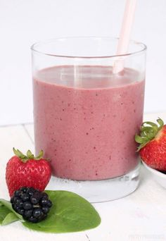 Start your day off with a healthy Spinach Berry Smoothie that is quick and easy, and tastes delicious! This is one of our favorite strawberry spinach smoothie recipes ever. Best Spinach Smoothie Recipe, Strawberry Spinach Smoothie, Berry Smoothie Recipe, Fruit Smoothie Recipes, Easy Smoothies, Strawberry Recipes, Spinach Smoothies, Smoothie Bowl, Sugar Cravings