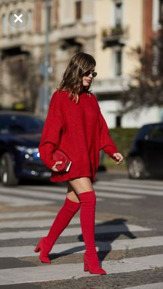 Pop of Red  lighten on the scene  – Womanly Beaufash
