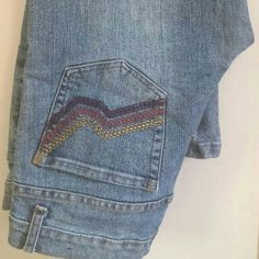 Rue 21 jeans Cute jeans with designs on back pockets Jeans
