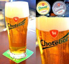 K rockové muzice a pořádnému kusu masa neodmyslitelně patří i pivo, co má ten správný říz! Proto jsme pro vás do našich sudů vybrali tradiční české pivo Chotěboř s vyrovnanou chutí chmele a sladu s krátkým nahořklým dozvukem.