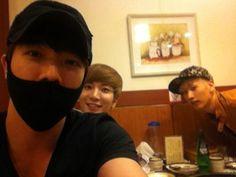 Super Junior's Donghae, Leeteuk & Eunhyuk get together for some chicken #allkpop #superjunior