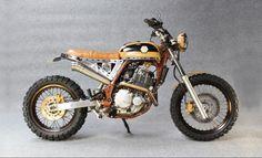 Suzuki DR650 Street Tracker by Yako Bekano #motorcycles #streettracker #motos   caferacerpasion.com
