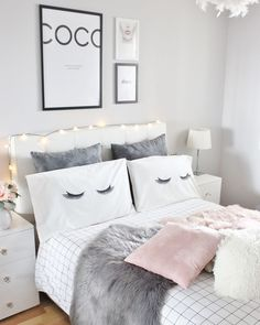 Teen bedroom themes must accommodate visual and function. Here are tips to create the coolest teen bedroom. Cute Bedroom Ideas, Bedroom Themes, Bedroom Decor, Bedroom Images, Bedroom Wall Ideas For Teens, Grey Room Decor, Small Room Decor, Bedroom Designs, Wall Decor