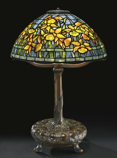 "TIFFANY STUDIOS ""DAFFODIL"" TABLE LAMP circa 1910"