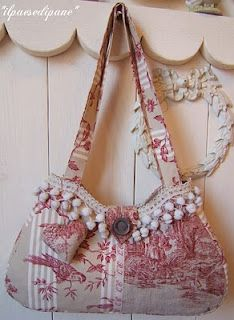 the details of this toile bag are just precious!  La Maison de Maristella blog