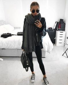 winter outfits with leggings - winteroutfits Mode Outfits, Fall Outfits, Fashion Outfits, Casual Outfits, Womens Fashion, Fashion Trends, Sport Fashion, Chic Winter Outfits, Gym Outfits