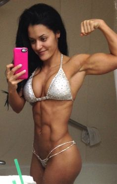 Abs check! Jessica Arevalo is ready for bikini season, are you!? #abs #strong…