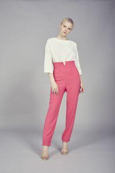 Coosy - Pantalón Doris Rosa Capri Pants, Jumpsuit, Suits, Dresses, Fashion, Vestidos, Suit Pants, Fall Winter, Weddings