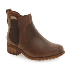 Women's Ugg Bonham Chelsea Boot ($150) via Polyvore featuring shoes, boots, ankle booties, stout leather, fleece-lined boots, genuine leather boots, lug sole boots, chelsea ankle boots and lug sole booties