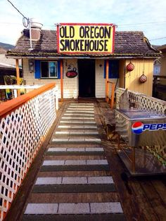 These 13 Restaurants In Oregon Have the Best Seafood EVER - - From Local Ocean to Tony's Crab Shack, these 13 restaurants in Oregon have seafood so delicious it'll blow your mind. Brookings Oregon, Mcminnville Oregon, Hillsboro Oregon, Oregon Vacation, Oregon Road Trip, Oregon Travel, Road Trips, Vacation Spots, Southern Oregon Coast