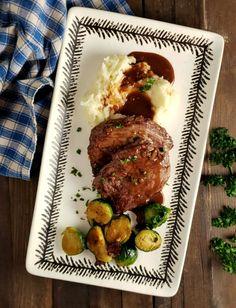 Medallions of Beef with Red Wine Reduction - Frugal Hausfrau Beef Medallions, Beef Tenderloin Recipes, Roast Brisket, Pork Roast, Slow Cooker Recipes, Crockpot Recipes, Healthy Recipes, Game Recipes