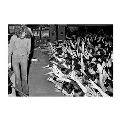 I just love this.the crowd showing their love 🖤 Jimmy Page, Rock Stars, Color Shades, Led Zeppelin, Just Love, Crowd, Bass, Concert, Music