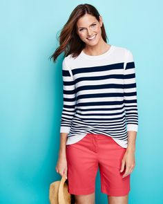 Navy & white stripes add a touch of preppy to pink shorts. Classy Outfits, Cool Outfits, Summer Outfits, Bermuda Shorts Outfit, Pink Shorts, Fashion Over 40, Fashion Pics, Fashion Styles, Ribbed Sweater