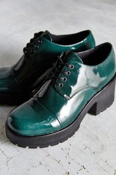 Vagabond Patent Dioon Oxford - Urban Outfitters