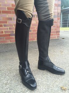 Black polished Polo 'dressage' with super hard exterior panel and nubuck inside panel for 'no squeak' boots!