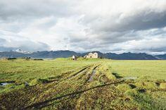 iceland farm field -  iceland farm field free stock photo Dimensions:3000 x 1987 Size:4.65 MB  - http://www.welovesolo.com/iceland-farm-field/