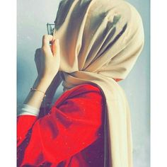 Hijabi Girl Photography - The different types of Hijabi Girl Photography that you can get are coming out soon and they will all provide more revealing. Cute Girl Poses, Girl Photo Poses, Girl Photography Poses, Stylish Hijab, Modest Fashion Hijab, Arab Girls Hijab, Muslim Girls, Hijabi Girl, Girl Hijab