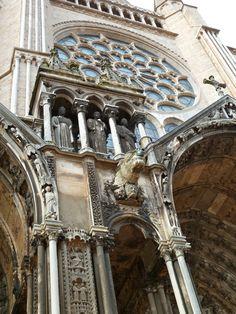 Cathédrale de Chartres, France - by Marie J