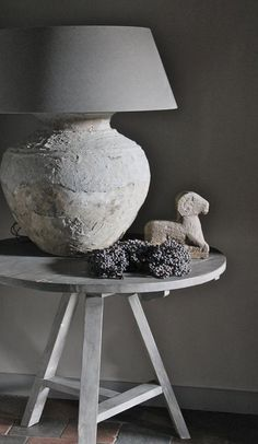 ☆ some gesso treatments on some lamps coming up.the table Vibeke Design, Before And After Diy, Grey Home Decor, Interior Decorating, Interior Design, Light Shades, Home And Living, Rustic Decor, Home Furniture