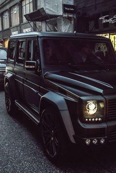 ♂ Black car Geländewagen.