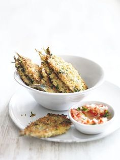 crumbed sardines with tomato dressing 3 cups fresh breadcrumbs 2 tbs shredded lemon tbs chopped flat-leaf parsley Fish Recipes, Seafood Recipes, Cooking Recipes, Healthy Recipes, Tapas Recipes, Dessert Recipes, Fish Dishes, Seafood Dishes, Fish And Seafood