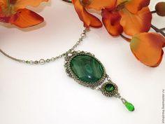 "Кулон ""Эльф"" - зеленый,кулон,кулон с камнем,малахит,малахит натуральный Beaded Embroidery, Bridal Jewelry, Turquoise Necklace, Style Inspiration, Drop Earrings, Beads, Beaded Necklaces, Beading, Bridal Bridal Jewellery"