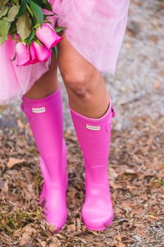 tulle skirt and Hunter boots Pink Hunter Boots, Hunter Boots Outfit, Wellies Rain Boots, Hunter Rain Boots, Preppy Style, My Style, Modest Bridesmaid Dresses, Vogue, Everything Pink