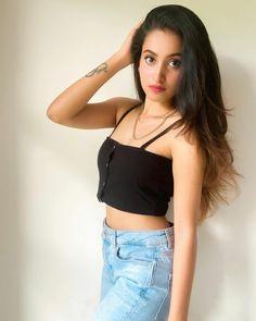 Celebrity Photography, Teenage Girl Photography, Indian Models, Beautiful Girl Photo, Celebs, Celebrities, Crop Tops, Tank Tops, Stylish Girl