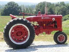 1953 FARMALL SUPER M Antique Tractors, Vintage Tractors, Vintage Farm, Wheel Horse Tractor, Red Tractor, Case Ih Tractors, Farmall Tractors, International Tractors, International Harvester