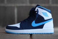 Air jordan 1 retro high â € € midnight navy & uni blue Blue Sneakers, Casual Sneakers, Sneakers Fashion, Sneakers Nike, Navy Blue Nike Shoes, Jordan Sneakers, Blue Jordans, Nike Air Jordans, Jordan Basketball Shoes