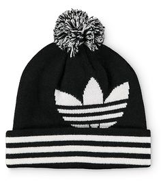 Warm up your dome in iconic style with a white adidas trefoil jacquard knit logo on the upper and a black and white pom on top.