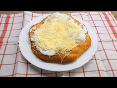 YouTube Kefir, Pizza, Camembert Cheese, Dairy, Eat, Youtube, Desserts, Food, Hungarian Recipes