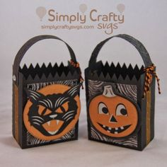 Make this Vintage Halloween Bag Set for the Halloween goodies using our Halloween SVG File.  #simplycraftysvgs #halloween #svgfiles