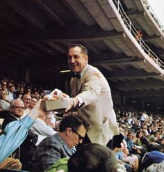 Vincent Price.. At a ball game!