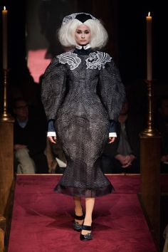 Thom Browne Fall 2014 RTW - Runway Photos - Fashion Week - Runway, Fashion Shows and Collections - Vogue Runway Fashion, Fashion Show, Womens Fashion, Fashion Design, Crazy Fashion, Fashion Details, Fashion Brands, 2014 Fashion Trends, Thom Browne