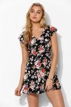 Motel Julia Floral Surplice Dress - Urban Outfitters