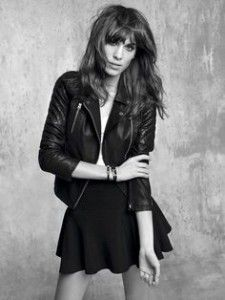 Comment rester féminine et élégante en perfecto  | http://soyonselegantes.com/comment-etre-feminine-elegante-en-perfecto/