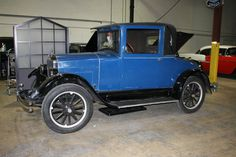 This shows a cheaper, relatively smaller coupe from 1926.  This is more likely to have been used by the average citizen, not as affluent as Gatsby or the Buchanans.