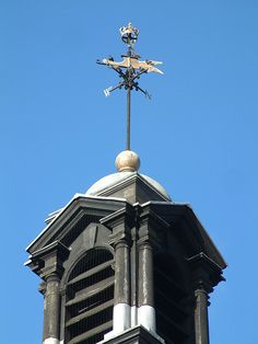 Crown topped weathervane, Henley, Oxfordshire, England.