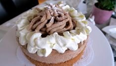 Maronischnitte - Bine kocht! Food And Drink, Sweets, Desserts, Cake Slices, Advent, Brownies, Petit Fours, Cake Ideas, Dessert Ideas