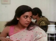 Deepti Naval in Hip Hip Hurray Priyanka Chopra Saree, Hip Hip Hurray, Deepti Naval, Saree Look, Indian Movies, Looking Back, Bollywood Actress, Indian Actresses, Cinema