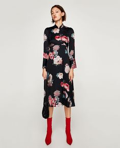 Welcome to BIMBA Y LOLA: Bags, Apparel, Shoes, Accessories and Jewellery. Zara Black Dress, Black Midi Dress, Zara Dresses, Fashion Dresses, Midi Dresses, New Dress, Dress Up, Leotard Fashion, Quoi Porter
