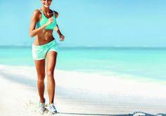 Separei algumas dicas de quais exercícios podemos fazer durante a viagem de férias. Confiram!!