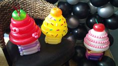 Balloon Cupcakes! How cute are they?   2013 VBS Colossal Coaster World Snacks Decor Ideas Cotton Candy Cafe