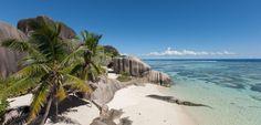 Zeige diese Foto auf Brittneys: Platz 8: Anse Cocos – La Digue: Die Anse Cocos finden Besucher im Osten von La Digue. Das türkisblaue Wasser bildet in dieser Bucht natürliche Pools. Über einen Fußweg von 30 bis 40 Minuten gelangen Urlauber über einen Weg von der Grand Anse über die Petite Anse zur Anse Cocos. Der Weg lohnt sich – hier ist nämlich besonders wenig los. ©SeyVillas.jpg
