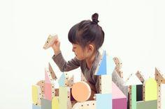 ダボブロック, fabuloso juego, por Torafu Architects