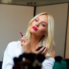 Image via We Heart It #beauty #blonde #fuchsia #girl #lipstick #ladyboom