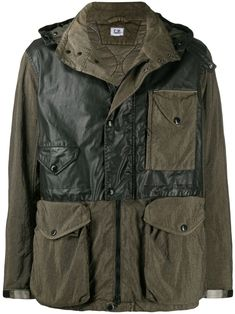Black and green cotton blend utility jacket from C. Company featuring a front zip fastening, a two tone design, front flap pockets, a hood, long sleeves and a straight hem. Tactical Wear, Backpack Travel Bag, Travel Bags, Casual Wear For Men, Italian Men, Green Jacket, Green Cotton, Utility Jacket, Jacket Style